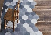 On the floor - Op de vloer / Interieurontwerp | interieuradvies | nieuw interieur | kleurenplan | kleurcombinaties | plattegrond |  3d-visualisaties | interieurontwerper | interieurarchitectuur | interieurarchitect | verhuizing | verhuizen | woonideeen | hout | steen | plavuizen | tegels | gietvloer | vinyl | parket | planken | tapijt | carpet | beton