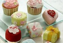 Small Cakes & Fancies