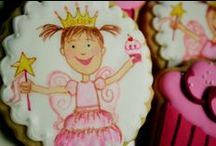 Princess Cookies & Cupcakes / Cookies suitable for a birthday party.