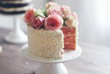 Wedding Cakes / Beautiful wedding cakes to make your day extra special.