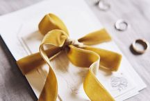Mustard wedding / Inspiration for a mustard wedding. Everything from dresses, hair, accessories decor, groom and groomsmen
