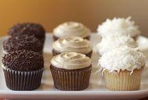 entertain: sweet treats / by Stephanie Sponsel