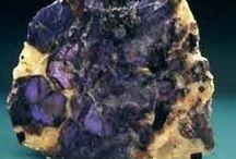 Cordiérite 09.CJ.10 / SILICATES (Germanates) | Cyclosilicates | Anneaux simples de 6 tétraèdres [Si6O18]12 (sechser-Einfachringe)► Mg2Al4Si5O18
