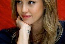 Jessica Alba (Haircolor)