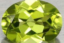 Forstérite 09.AC.05 / SILICATES (Germanates) | Structures de Nésosilicates (tétraèdre d'isolement) | Nésosilicates sans anion non familier ► Mg2SiO4