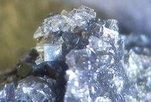 09.BB.10 Akermanite | Hardystonite / SILICATES (Germanates) | Structures de Sorosilicates (dimère) | Groupements Si2O7, sans anion non-tétraédrique ► Ca2MgSi2O7 | Ca2ZnSi2O7