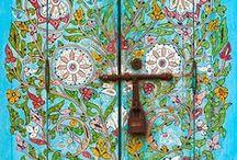 Doors and Windows / by Super Danika