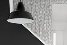 <3 Interior black/ white/ grey..