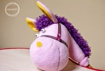 zabawki kreatywnaKARUZELA / zabawki, koń na patyku