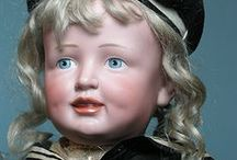 Dolls, Puppen, Poupées et Beaux Bébés / Rare dolls categorized by individual maker are presented on other boards on this site.