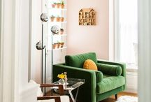 Decor colour: Green and Pink / Inspiration for green and pink interior schemes. From rich olive to zesty lime, bright fuchsia to the soft blush, this is the colour combination of the moment to give your interior edge.