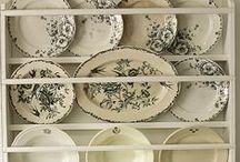 plate racks / Tellerregale / bordenrekken