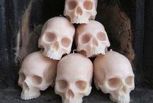 Memento Mori / Skulls, skulls,  and then more skulls. / by Mailei Hops