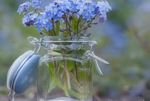 I ❤️ flowers in small jars / Even flowering weeds are beautiful in small jars