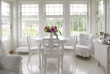 Valkoinen Koti / White Home