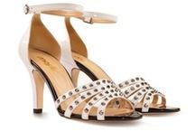 Marjin Troklu Ayakkabı, Sandalet, Babet 2013 / 2013 İlkbahar Yaz sezonunda da çivili, baskılı, zımbalı, metal ve siyah troklu ayakkabı, babet ve sandaletler yine çok moda.