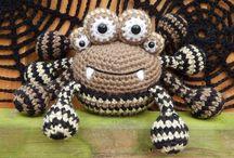 Amigurumi spiders