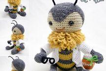 Amigurumi bees