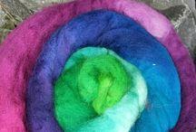 Wolle färben / Wolle trifft Farbpinsel