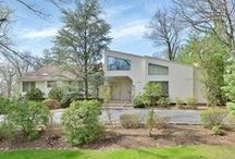 Tenafly, NJ |$1,688,000 / Fabulous East Hill location sprawling over one acre property with an inground pool.This ranch with high ceilings is bright and open. Features: dramatic living room with soaring windows and family room with fireplace and sliding doors to deck. - See more at: http://bit.ly/1HxsEAn