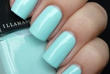 Nails, Hair & All Things Beauty / by Sarah Higginbotham