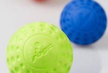 ROGZ ASTEROID míček / ROGZ ASTEROID je míček pro psy, kteří milují aportování a bez míčku se téměř neobejdou. Psí míček ROGZ je lehký, vhodný pro všechna plemena psů, dobře plave na vodní hladině.
