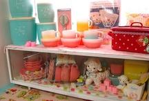 Adorable vintage displays!