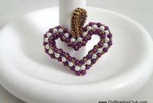 Bead Addiction Holiday / Beaded ideas tutorials and patterns  for Christmas,Halloween, Easter, thanksgiving . Bead Addiction can help you with the supplies we are located at 2000 Main St Walpole MA
