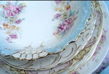 VINTAGE LINENS,CUTLERY AND TABLEWARE