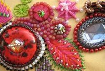 Bead Addiction Online Bead Embroidery / Bead Addictions collection of beading tutorials, ideas, patterns and examples showing bead embroidery