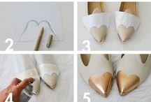 How to: ridare vita alle scarpe / Ci sono però dei problemi che possiamo risolvere anche per conto nostro se si tratta di danni estetici.  I tacchi foderati si graffiano e rovinano molto spesso. Colpa di scalini, griglie e sampietrini, la pelle che li ricopre si rompe e si arriccia. Se l'incollatura dal calzolaio dovesse risultare troppo visibile (ed è il caso con le scarpe chiare) potete sempre giocarvi la carta del fai-da-te.