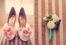 """How to: scarpa da Sposa / Una scarpa da sposa può non essere un modello """"da sposa"""" ma essere acquistato in una boutique di lusso. Ricordatevi, però, che negli Atelier da sposa hanno l'esperienza delle sposine e i loro piedi e sapranno consigliarvi al meglio per fare i passi giusti."""