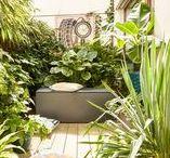 Akcesoria ogrodowe / Designerskie akcesoria ogrodowe. Skrzynie do ogrodu na poduszki, wytrzymałe donice, prysznice ogrodowe oraz funkcjonalne parasole.