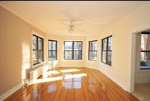 434 W. Diversey, Chicago, IL 60614 / 434-46 Diversey is a Lincoln Park Chicago apartment building with lots of vintage character and great modern amenities. This charming complex has a peaceful private courtyard and an onsite laundry facility. Spacious apartments feature large windows for lots of natural light, hardwood floors, walk-in closets and window treatments.
