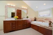 Bathroom Ideas / Here is a few of our favorite bathroom designs.