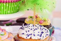 cupcakes and muffins / by Antonella Di Cesare