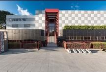 I nostri Negozi in Toscana / 15 showroom in Toscana, specializzati nella vendita di pavimenti, rivestimenti, arredo bagno, porte, infissi, scale e complementi d'arredo.
