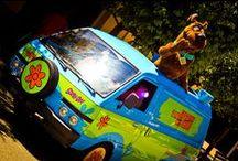 Nuestros vehículos / Imagínate conducir uno de nuestros vehículos por vuestro vecindario. ¿No te quedarías con todo el mundo? ¡Son geniales!