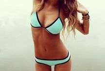 Swimsuit... Beach please !