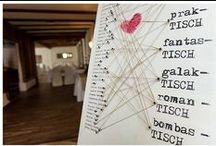 Hochzeits-Tischkärtchen und Tische