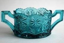 Meleskiroheline a.k.a Melesk green in Estonian old glass / This secret colour. How is it called?