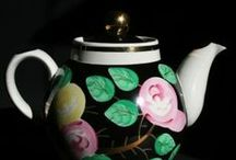 Tea in Wonderland with Alice - vintage teacups from Estonia / We LOVE all types of teapots!