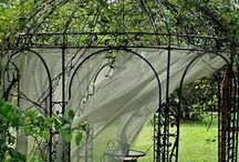 Heavenly Gardens / Gardens and lovely things in gardens