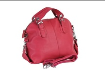 Leather Women Handbag / We sell exclusive range of leather women handbag at our online handbag store with worldwide shipping.  http://www.transfashions.com/en/women/bags/leather-women-handbag.html