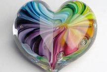 HARTEN / harten in allerlei vormen en materialen