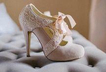 feet feet feet / by Oralia