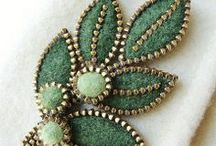 JEWELLERY- brooches