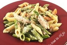 Easy Recipes / Our favorite easy dinners, desserts, and other recipes. / by Coffee With Us 3