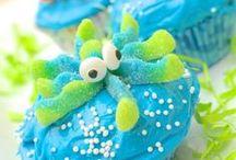 Cupcakes: Recipes & Ideas / Recipes for delicious cupcake plus fun decorating ideas.
