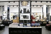 The British Museum Giftshop / The British Museum giftshop redesign involved specification of the Photec Lighting POWER-LED